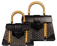 Ким была в длинном платье и несла черную сумку от Goyard Siagon GM (2...